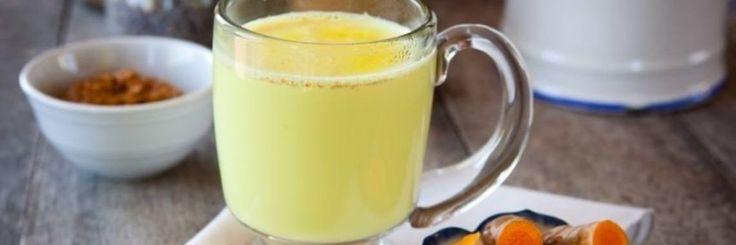 Melk met kurkuma of gouden melk is het nieuwste super drankje dat meer opgeslagen lichaamsvet doet verbranden en je sneller doet afvallen. Dat is niet zomaar uit de lucht gegrepen. Het werd