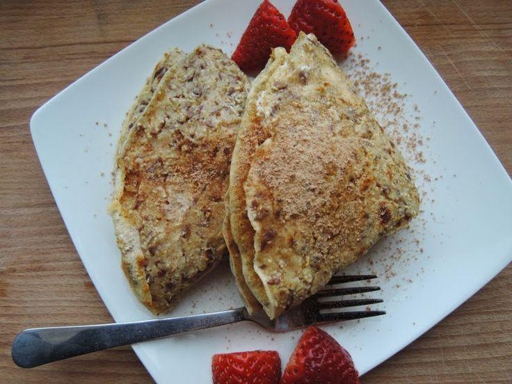 Klasyczną owsiankę można zastąpić naleśnikami. Jak? Zaraz Wam pokażę :) to bardzo łatwe i ostatnio zastępuje mi śniadanie. Dietetyczne n...