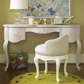 Chloe Vintage Romance Desk ♥ Discover the season's newest designs and inspirations by Rosenberry. | Visit us at http://kidsbedroomideas.eu/ #furnituredesign #kidbedroom #kidsroom #kidfriendly #bedroomdecor