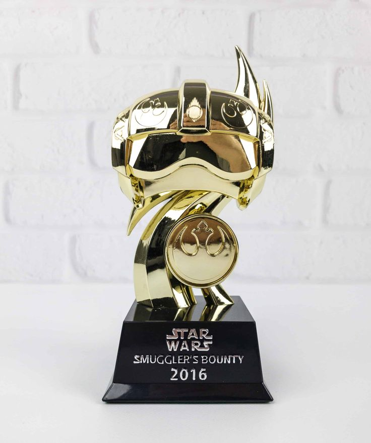 Smuggler's Bounty is the only official Star Wars subscription box! Check out the review of the second anniversary gift box!   Smuggler's Bounty Year 2 Anniversary Gift Box Review →  https://hellosubscription.com/2017/12/smugglers-bounty-year-2-anniversary-gift-box-review/ #SmugglersBounty  #subscriptionbox