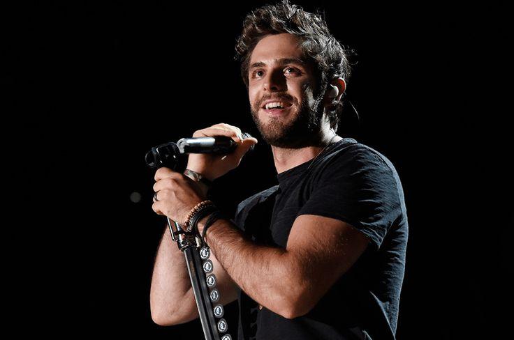 Thomas Rhett and Tour Openers Cover Bruno Mars' '24K Magic'