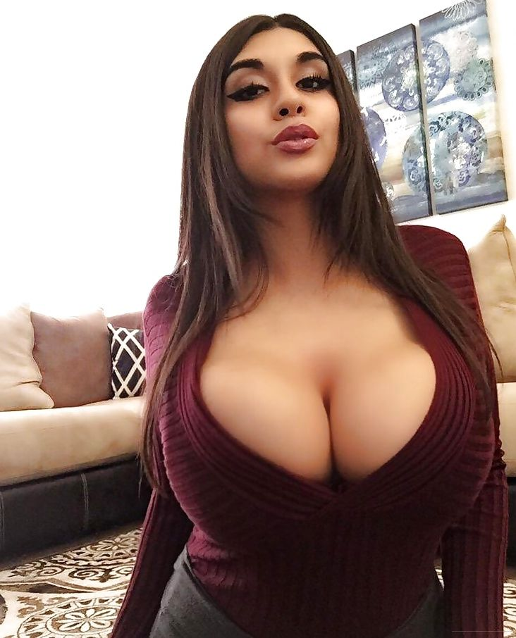 hot busty arab babes