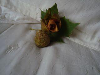 Tutorial para hacer rosas con hojas de los árboles.