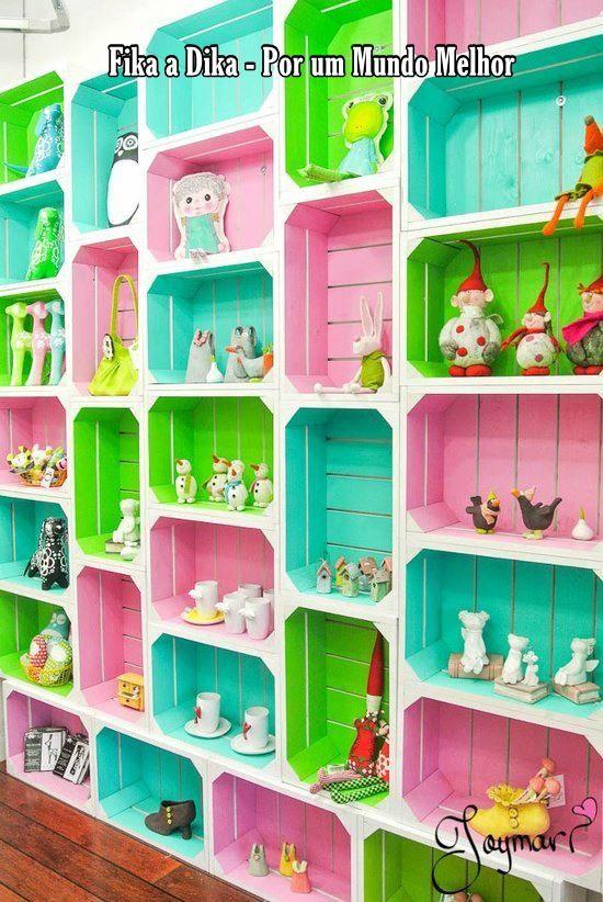 Encontramos os caixotes nas feiras livres, supermercados, em distribuidores no RJ: Cadeg, Ceasa, em SP no Mercadão...  Temos boas ideias de ...
