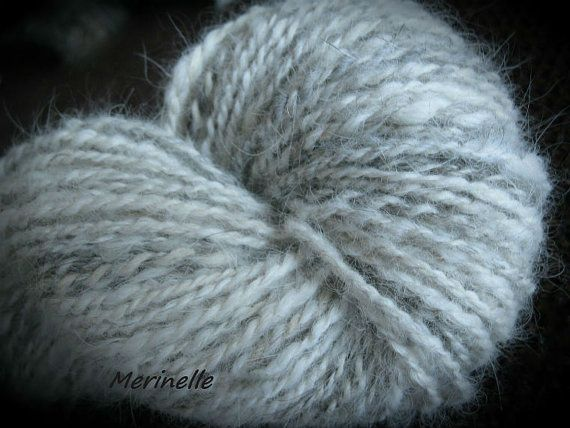 Custom Dog Hair Spinning  / Käsinkehrätty koirankarvalanka by Merinelle on Etsy