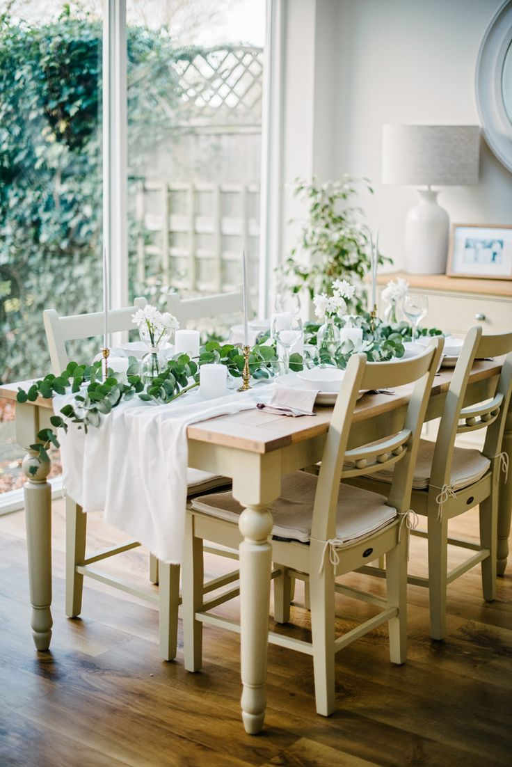 Winter tablescaping