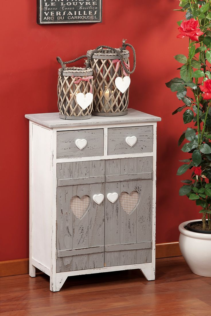 Armadietto in stile shabby chic