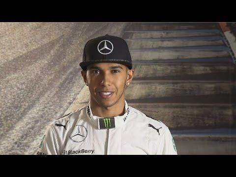 Jak Lewis Hamilton jezdí na okruhu v Číně.