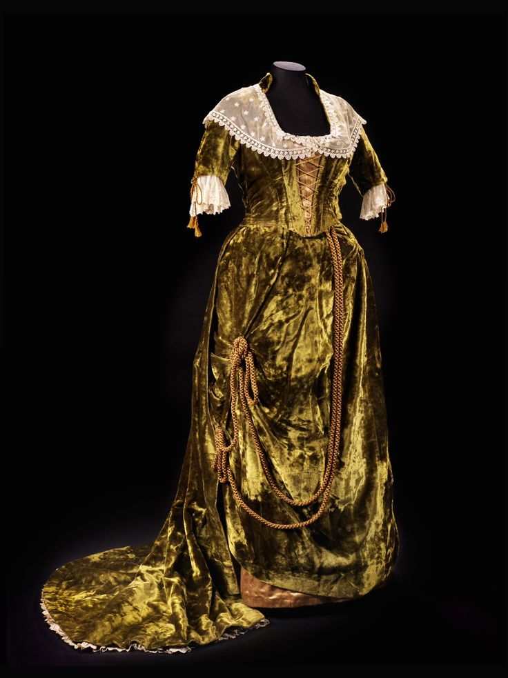 """Evening dress ca. 1882 From the exhibition """"A Century of Style: Costume and Colour 1800-1899″ at Glasgow Museums"""