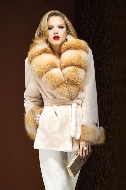 canada fur coats | ... CANADIAN ® SHEARED BEAVER LARGE FOX COLLAR FUR COAT (Canada