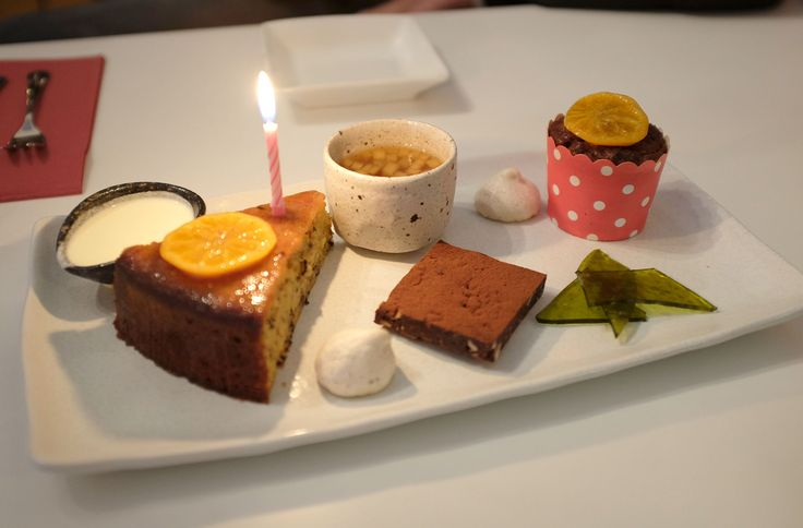 Dairy free dessert platter...except for the cream which wasn't for me :) ....at the Travelling Samovar!  #dairyfree #tea infused  http://www.zincmoon.com/?p=5421