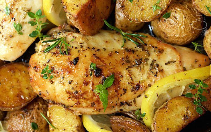 Frango com batatas ao alecrim e limão