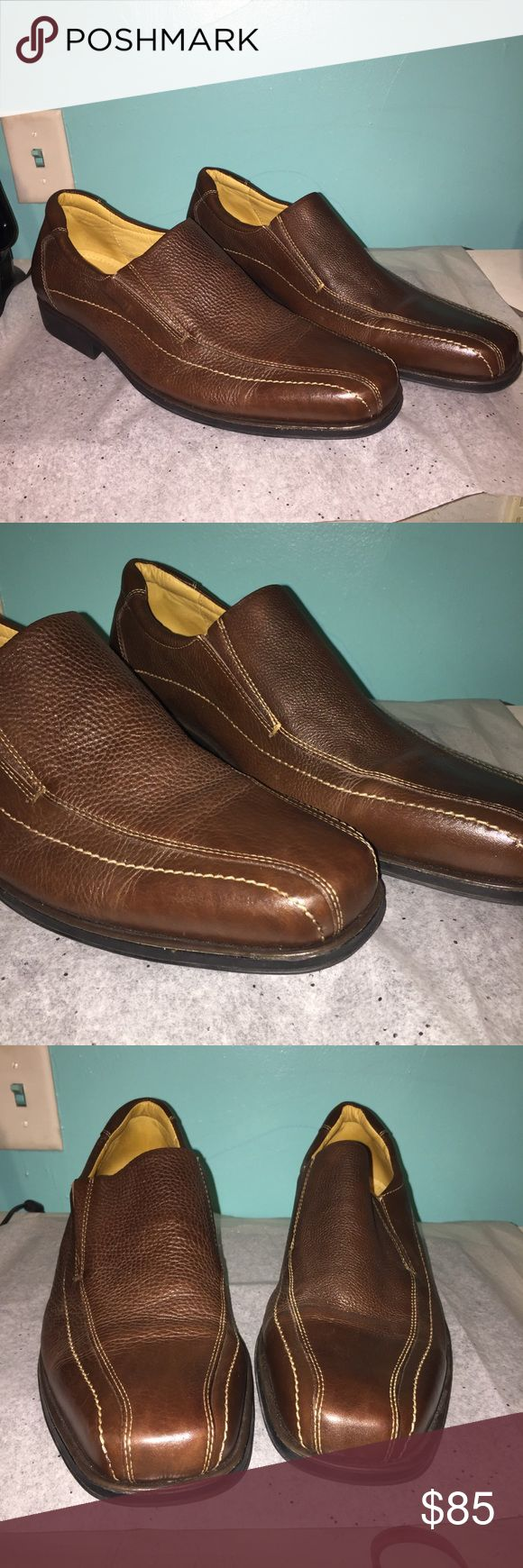 Sandro Moscoloni shoes Brown in color, perfect condition!! The insole is super soft and squishy. Amazing quality!! Sandro Moscoloni Shoes Loafers & Slip-Ons