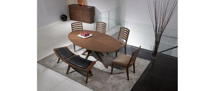 Mesa ovalada en roble chocolate CONAN