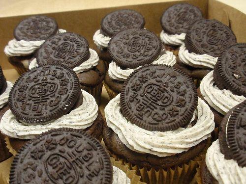 Cookies & Cream Cupcake.