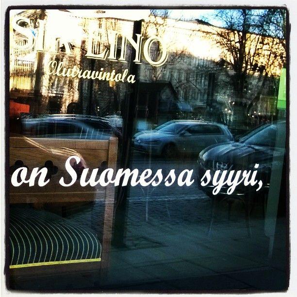 """#kyltyyri #kulttuuri #EinoLeino #runo #poem #näyteikkunassa #windowshopping. Kyltyyri, """" tuo huuto on suomessa syyri. """" #sirEino #kritiikki #kyseenalaistaa #vallankumous #kulttuuriin vallankumous #kylttyyriin #kyltyriin, tästä #Pellemiljoona jatkoi"""