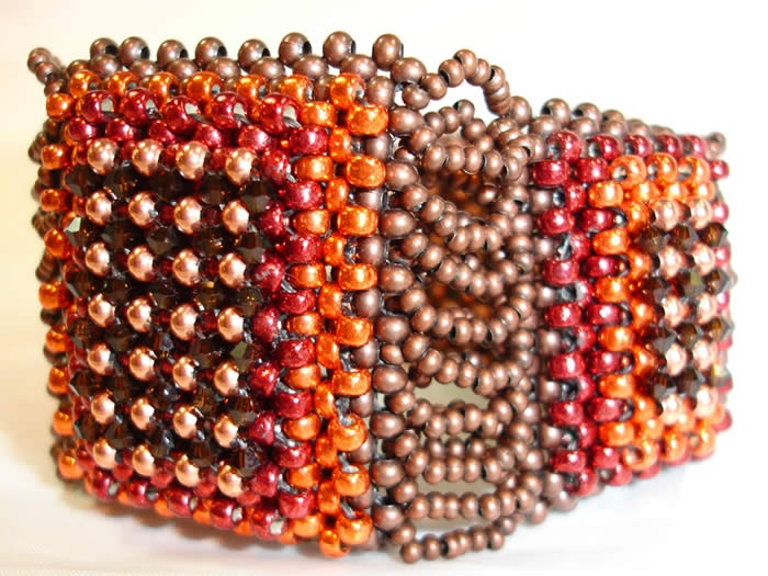 Shelley Nybakke Online - Jewellery: Création Bracelets, Ideas For, Shelley Nybakk, Pour Création, Treasure Chest, Gift Ideas For, Jewelry Creation, Nybakk Online, Beads Ideas