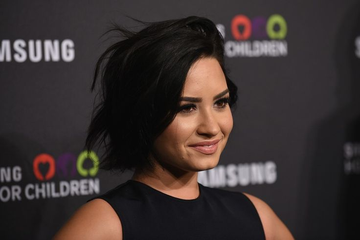 Here's Why Demi Isn't Friends With Celebrities