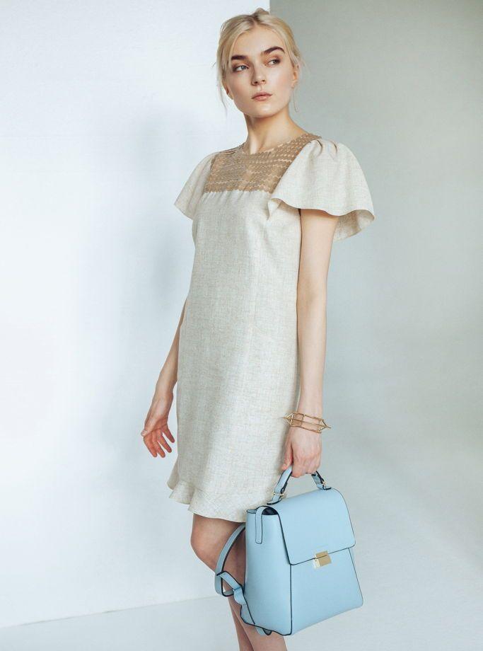 Льняное платье с декором