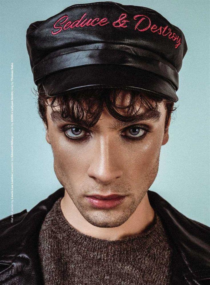Robson Kingshott entre la moda queer y la piel para Gay Times Magazine Men Wearing Makeup, Male Makeup, Makeup Man, Makeup Inspiration, Makeup Inspo, Body Inspiration, Model Tips, Queer Fashion, Aesthetic People