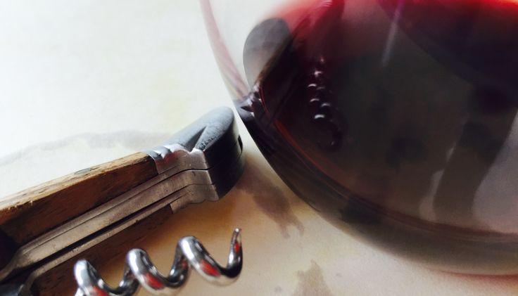 Σε αυτό το δεύτερο μέρος, ο Σίμος Γεωργόπουλος γράφει για τα κόκκινα και γλυκά κρασιά που ξεχώρισε στο φετινό Peloponnese Wine Festival.