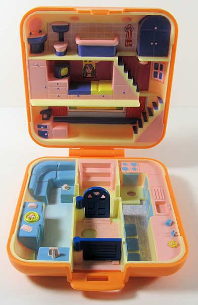 This is the first Polly Pocket that I ever got..