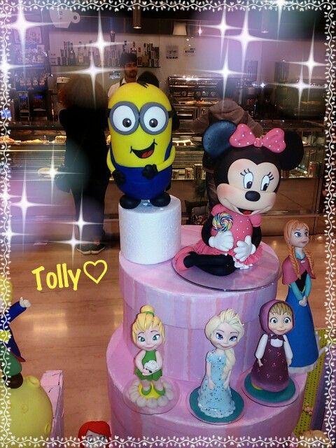 #caketopper #actionfigure #cake #figurine #handmade #minions by #tollykawaiiaccessories #taranto #artesanato #biscuit #porcelanafria #porcellanafredda #disneyarts