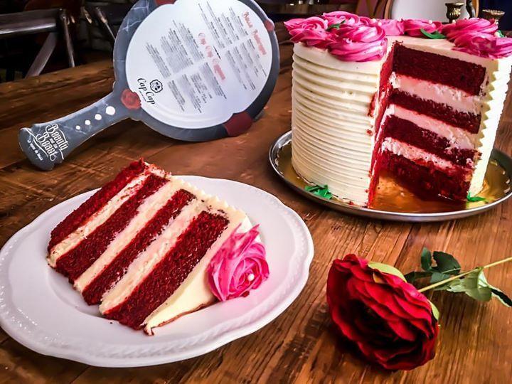 Love Cake  Κέικ red velvet με κρέμα τυριού και βουτυροκρεμα βανίλια! #beautyandthebeast #capcapgr