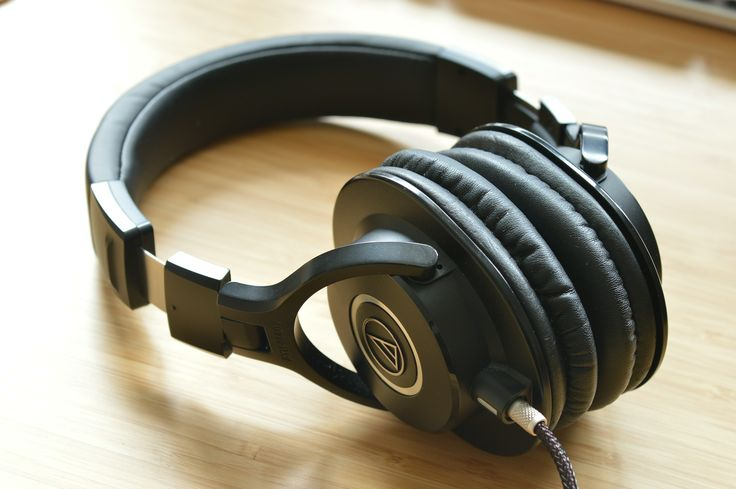 From beginners to professional musicians, a studio quality pair of headphones is the alpha and the omega in any recording studio.