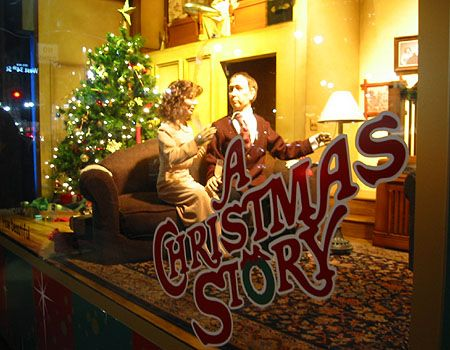 20 best CHRISTMAS STORE WINDOW DISPLAYS images on Pinterest ...