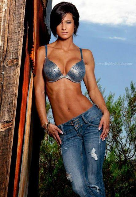 IFBB Bikini Pro Cristina Vujnich (now Cristina Liberatore)