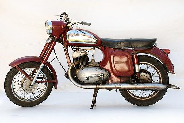 A classic Jawa 350 #motorcycles #motorbikes #Czechia