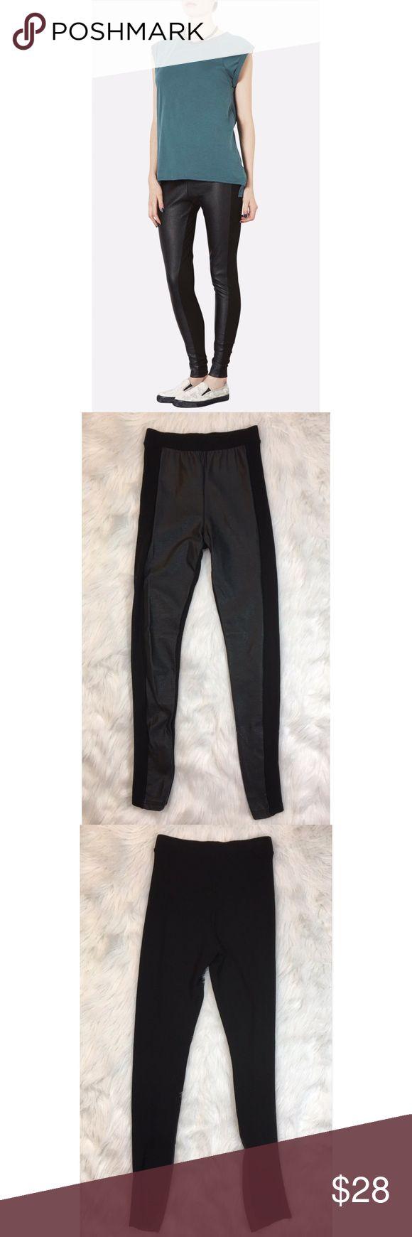 """Topshop Leggings Faux Leather Front Panel Size 6 Color is black Faux leather front panel 77% polyester 19% viscose 4% elastane  Inseam is 28""""  Excellent condition 011717PC275 (P1) 01/21 Topshop Pants Leggings"""