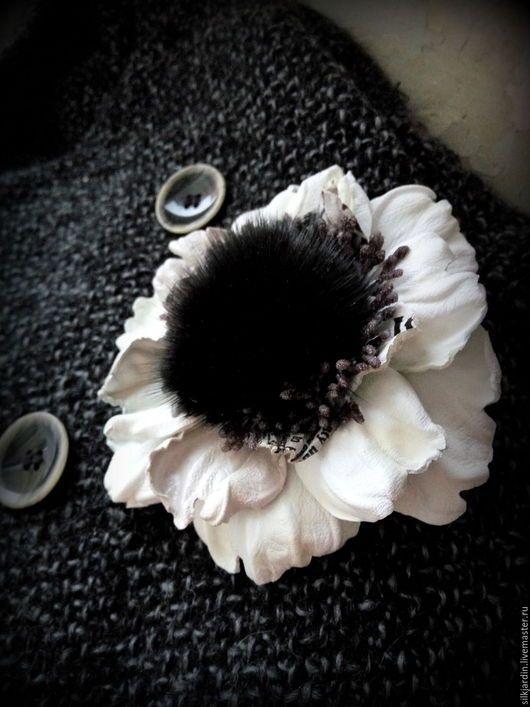 Броши ручной работы. Ярмарка Мастеров - ручная работа. Купить БРОШЬ ИЗ КОЖИ черно-белый анемон. Handmade.