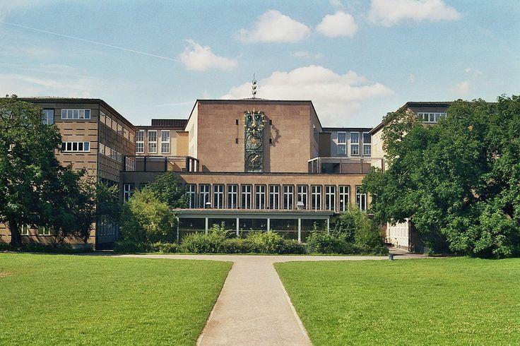 Der Universität zu Köln ist eine Hochschule im Köln. Es war in 1388 gegründet.