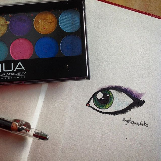 I know I have been posting alot today, but it is to catch up for all the unactiveness that has been happening...! This is a #repost of one of the eye's I did earlier, with the exact same colour but with #eyeshadow and #eyeliner. So what do you think? If you want to see the other one you need to scroll all the way down my page! #creative_n_crafty #makeupeye #eye #3rddrawingtoday #greeneye #eyedrawing