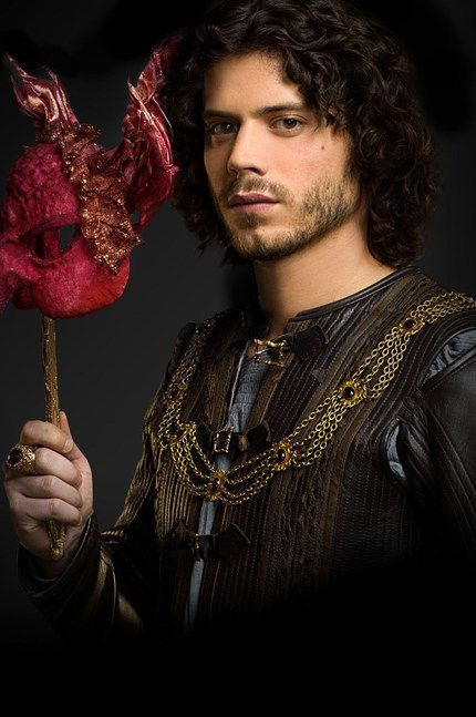 Love me some Francois Arnaud playing Cesare Borgia