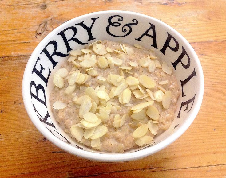 A delicious cholesterol-friendly recipe, combing oats and apples, two of the best cholesterol-reducing foods.