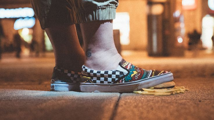 California Fries and Waffle Burgers! Vans Classic Slip-On Late Night Burger: http://www.footshop.eu/en/mens-shoes/6479-vans-classic-slip-on-late-night-burger-check.html  #vans #latenightpack #footshop