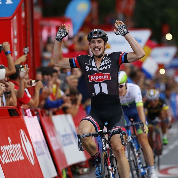 John Degenkolb wins the closing stage of LaVuelta 2015
