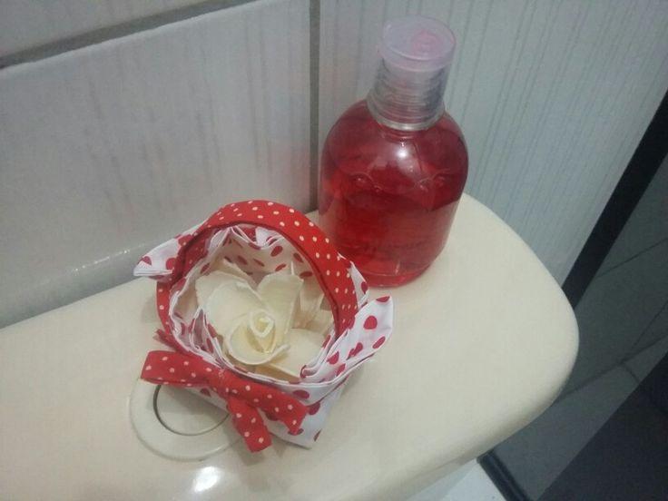 Cestinha aromática rosa de sabonete