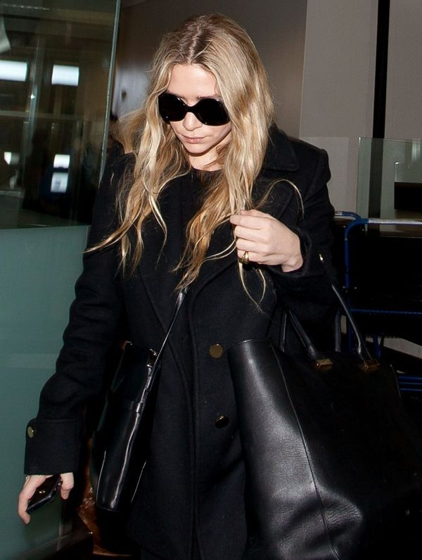ASHLEY | ALL BLACK AT LAX AIPORT