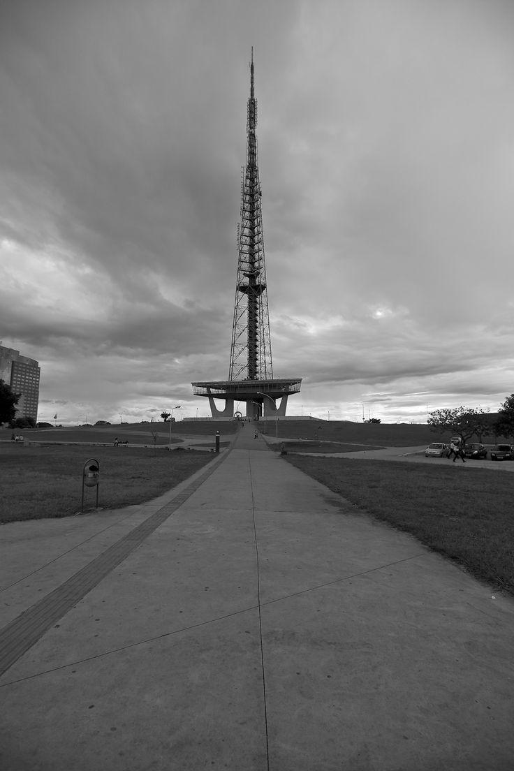 A Torre de TV de Brasília é uma torre de transmissão televisiva construída em Brasília e inaugurada em 1967 com 224 metros de altura, contendo o Museu das Gemas. Projetada por Lúcio Costa, a Torre da TV é um dos poucos edifícios importantes de Brasília que não são uma criação de Oscar Niemeyer