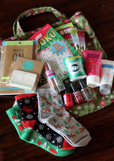 DIY: Essential Totes for Cancer Patients/Gift Giving |do it yourself divas