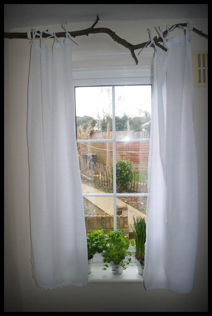 Branch Window In Kitchen Firana Na Karniszu Zrobionym Z