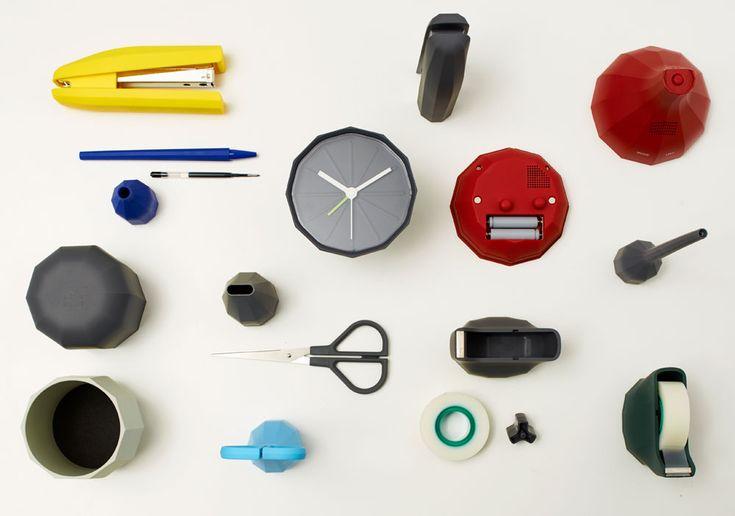 #Babylon è una collezione che comprende sei accessori (forbici, spillatrice, penna, portapenne, sveglia e tape dispenser) per l'ufficio ma anche per la casa.