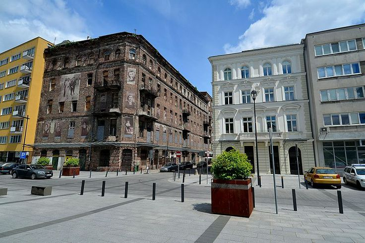 Próżna Street - the only former Warsaw Ghetto street still standing