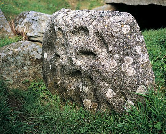 "TREGIFFIAN BURIAL CHAMBER | cornwall: 'One of the two ""portal stones"" at the entrance to the chamber is decorated with a pattern of 25 artificial hollows known as ""cupmarks"". Rock art like this is rare in Cornwall and the original stone has been removed to the Royal Cornwall Museum at Truro. The stone at Tregiffian today is a cast replica of the original.' ✫ღ⊰n"