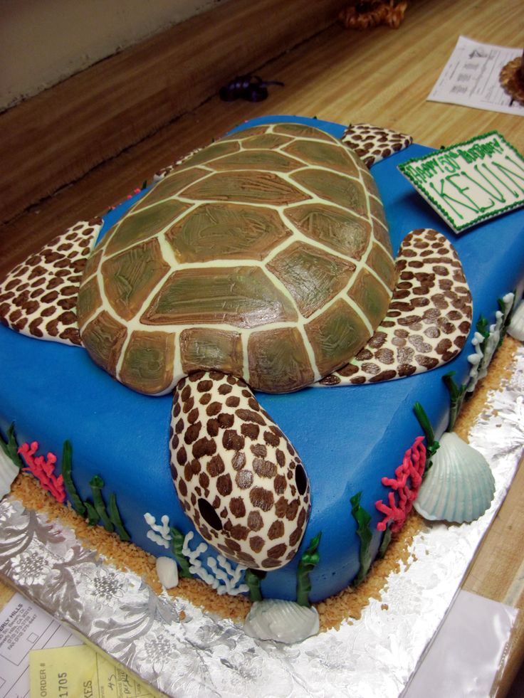 someone make or order me this cake for my birthday....ok thanks
