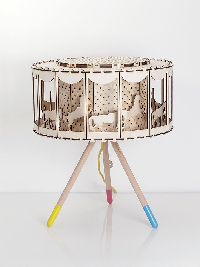DIY Carousel Table Lamp (via Smagaprojektanci on Etsy)